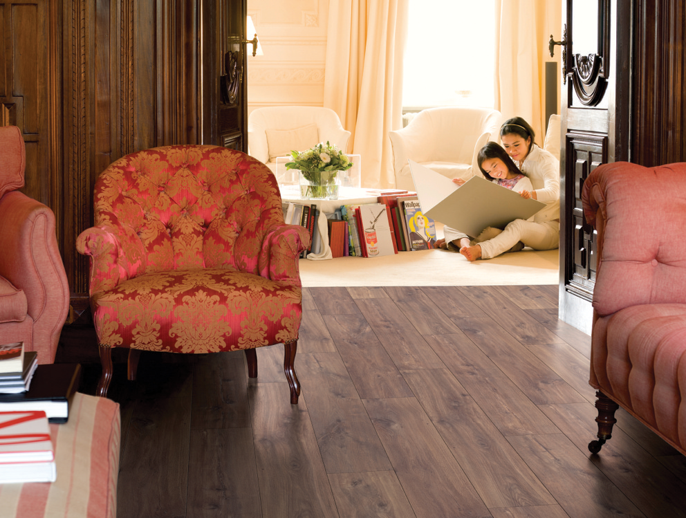 Home with TORLYS Classic Plus Midnight Oak floors