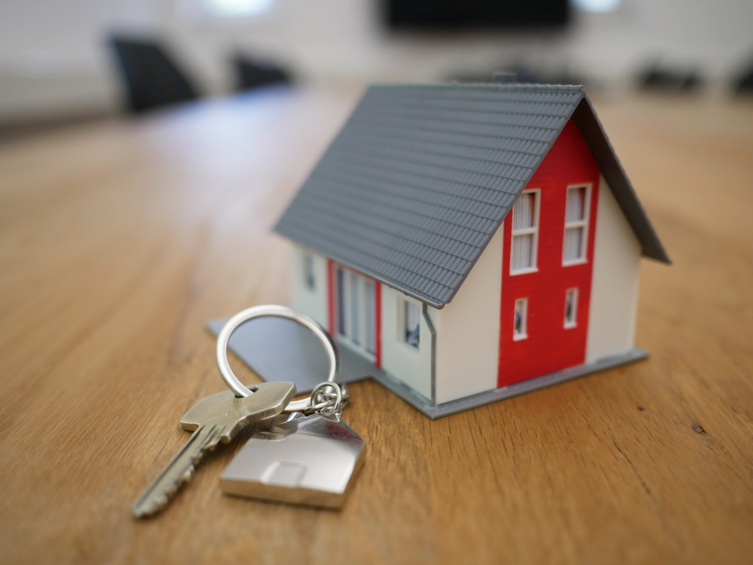 House key with home on chain
